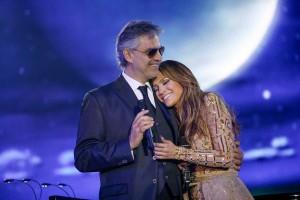 Andrea-Bocelli-&-Jennifer-Lopez